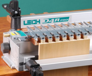 Leigh D4R Dovetail Jig in Single Pass Half-Blind Dovetails Setup